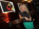 Adriane Galisteu inaugura exposição de fotos em São Paulo
