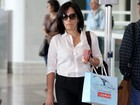 Glria Pires circula em aeroporto do Rio de Janeiro