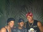 De férias em Salvador, Ronaldinho Gaúcho encontra cantor do Parangolé