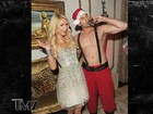 Site divulga foto de Paris Hilton com Papai Noel saradão em festa