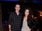 Max Fercondini curte festa com a namorada Amanda Richter