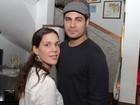 Thiago Lacerda e Vanessa Lóes conferem exposição de fotos no Rio