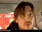 Vídeo: Christian Bale tenta visitar dissidente chinês e é agredido