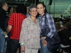 Thalita Carauta leva a avó para show de Roberto Carlos