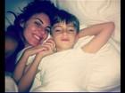 Glenda Kozlowski posta foto acordando com o filho no Twitter