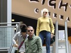 Gwen Stefani vai com a família ao cinema