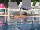 Bumbum de Mirella Santos enlouquece os garçons de Cancún