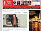 Liam Neeson aparece com a calça molhada (de novo!) na Turquia