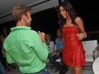 Ildi Silva dança muito em festa na noite de Natal