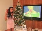 Solange Gomes aposta em vestido curto para esperar o Papai Noel