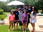Alexandre Frota reúne as crianças da família para almoço