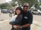 Simony posta foto com o marido e se declara: 'Isso é amor'