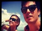 Thiago Rodrigues viaja com a mulher e o filho para a Praia da Pipa