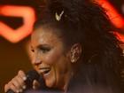Após show cancelado , Ivete Sangalo se apresenta em Recife
