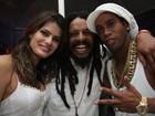 Namorado de Isabeli Fontana posa com Ronaldinho Gaúcho