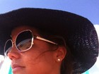 Nívea Stelmann curte dia de praia e comemora férias ao lado de namorado