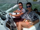 Dentinho posta foto de passeio de lancha com Dani Souza: 'rolé'
