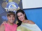 Belo e Gracy vão a evento cultural em quadra de escola de samba
