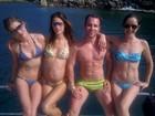 Grávida de cinco meses, Alessandra Ambrósio passeia de barco
