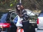 Sandra Bullock leva o fofíssimo Louis Bardo a escola
