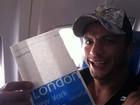 Vencedor do primeiro 'BBB', Kleber Bambam aproveita a vida viajando pelo mundo