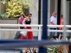 Luiza Brunet passeia com filhos e ex-marido no Rio
