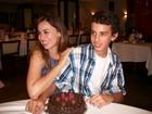 Daniela Escobar comemora aniversário ao lado do filho