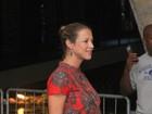 Grávida de sete meses, Luana Piovani curte festa no Rio