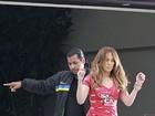 Vem para o carnaval?Jennifer Lopez é clicada com camiseta de camarote