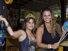 Viviane Araújo vai a festa em escola de samba para pessoas com deficiência