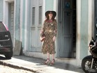 Com amigos e o namorado, Florence Welch visita Santa Teresa, no Rio
