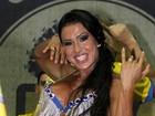 Supersarada, Gracyanne Barbosa exibe o tanquinho em ensaio