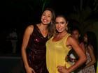 Gracyanne Barbosa e mais famosos vão a inauguração de restaurante