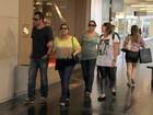 Preta Gil passeia em shopping do Rio de Janeiro