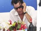 Charlie Sheen está 'honrado' por Kathy Bates fazer seu fantasma na TV