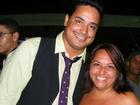 Autora do hit 'Ai, se eu te pego' posa com famosos em Salvador