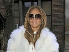 Jornal: Professor de Jennifer Lopez diz que ela quer dançar na avenida