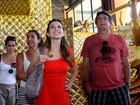 Totia Meirelles, Adriana Garambone e Eduardo Galvão visitam escola