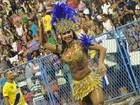 Gracyanne revigora presidente de honra da Mangueira que passou mal
