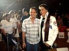 """Em """"Emoções em alto mar"""", Roberto Carlos assiste a Tom Cavalcante"""