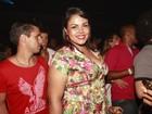 Ex-BBB Analice curte show de pagode no Rio: 'Não é muito a minha praia'