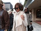 Whitney Houston vai ao médico em Los Angeles