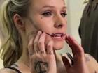 Kristen Bell aparece com o corpo todo tatuado em vídeo de humor