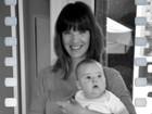 Letícia Birkheuer mostra boa forma em foto com o filho