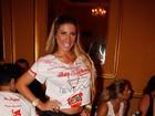 Irmãs Minerato vão a festa em São Paulo com as pernas de fora