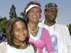 Barack Obama diz que reza por família de Whitney Houston