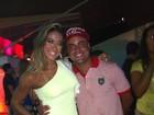 Depois de bloco, Mayra Cardi curte festa no Rio
