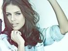 Paloma Bernardi muda visual para fazer musical