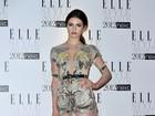 Com vestido transparente, Tali Lennox arrasa em evento em Londres