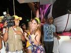 Anamara exibe look curtinho em Salvador